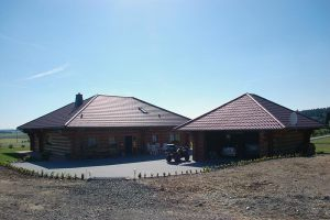 Blockstammhaus mit Doppelgarage  |  Eifel  |  BJ 2003